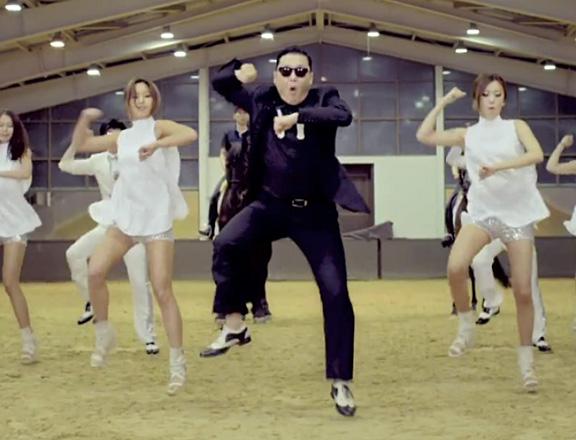 Cantor Psy, dono do vídeo mais visto no YouTube.