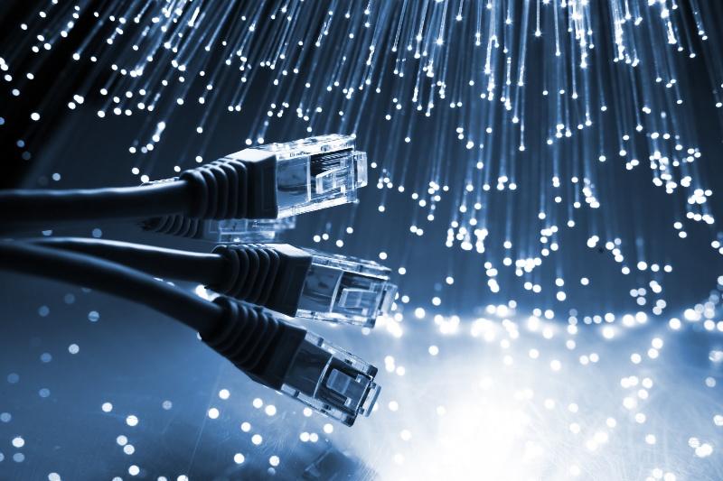 Acessos de banda larga somam 103 milhões. Conexão 4G cresce e já possui 80 mil internautas no país.